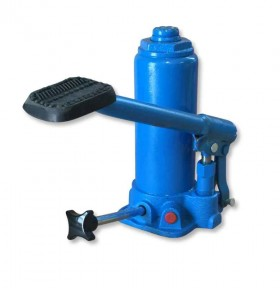 Hydraulic jack as spare part for hydraulic cable drum trestle